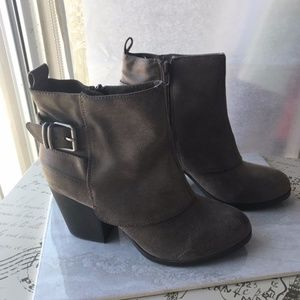 New American Eagle Brown Buckle Ankle Booties, 8.5